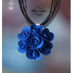 """""""Синие розы"""" синий кулон из полимерной глины"""