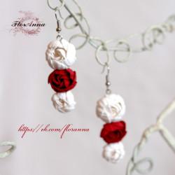 """""""Бело-красные пиончики"""" длинные серьги с цветами из полимерной глины."""