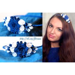 """""""Бело-синие розы"""" обруч для девушки с цветами из полимерной глины"""