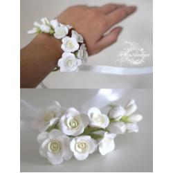 """""""Веточка розочек"""" браслет на руку с цветами"""
