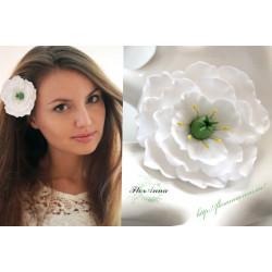 """Белая эустома"" заколка цветок"
