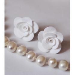 Серьги гвоздики Белые  розы