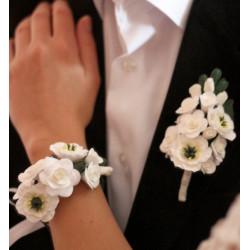 """""""Эустомы с розами"""" белый свадебный комплект украшений (бутоньерка +браслет)"""
