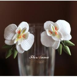 """""""Белые орхидеи с зелеными бутонами"""" большие серьги с цветами"""