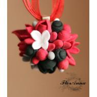 """""""Готика"""" красный кулон с цветами из полимерной глины"""