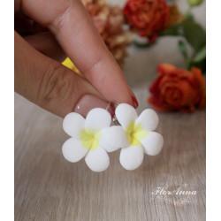 """""""Белые плюмерии"""" серьги цветы"""