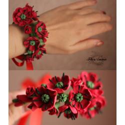 Браслет на руку с цветами Красные маки по типу веточки