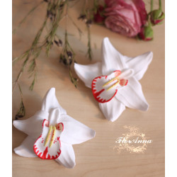 """""""Белая орхидея с росписью"""" заколка для волос цветок из полимерной глиной ручной работы(1шт)"""