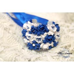 """""""Бело-лазурные фрезии""""синий браслет на руку с цветами из полимерной глины"""
