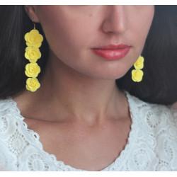 """""""Длинные розы""""  желтые серьги с цветами из полимерной глины"""