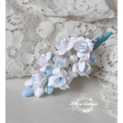"""""""Бело-голубые фрезии"""" бутоньерка для жениха или свидетеля ручной работы"""