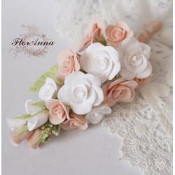 """""""Бело-персиковые розы"""" бутоньерка для жениха или свидетеля."""
