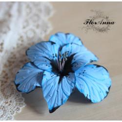 """""""Голубой гладиолус""""  uолубая заколка для волос из полимерной глины"""