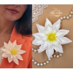 """""""Белый лотос"""" заколка/брошь цветок ручной работы"""