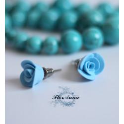 """Голубые серьги гвоздики ручной работы """"Голубые розочки"""""""
