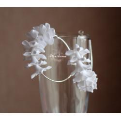 Белые серьги с цветами стефанотисы. Свадебные серьги ручной работы