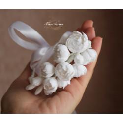 """""""Белоснежные пионы"""" свадебный браслет с цветами для невесты или свидетельницы"""