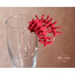 """Красные серьги кольца с цветами из полимерной глины """"Красные стефанотисы"""""""