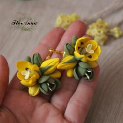 """""""Желтые тюльпаны с зелеными фрезиями""""  серьги"""
